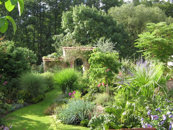 Evasion jardin paysagiste r f rences un style proven al for Creation jardin provencal